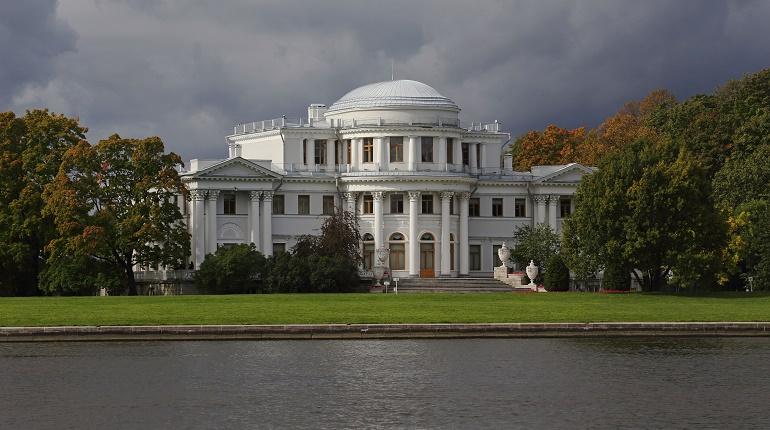 Елагин дворец открывает двери для посетителей после долгой реставрации