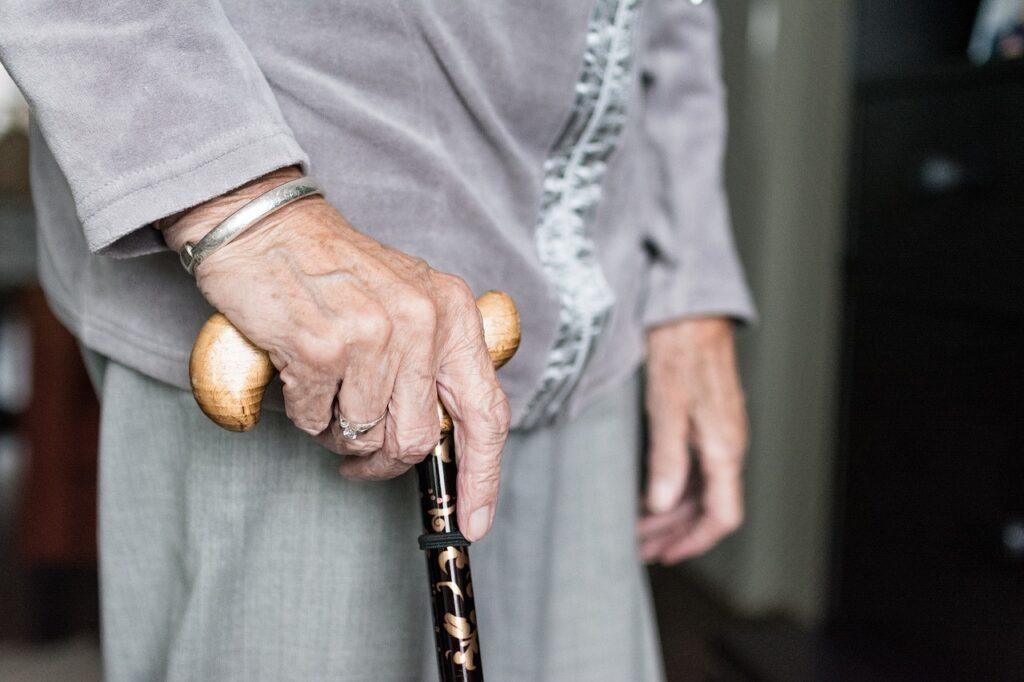 Пожилые ленинградцы стали реже болеть COVID-19