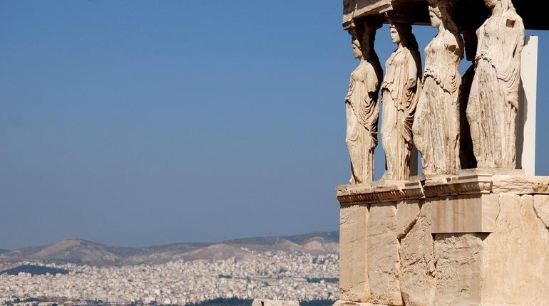 Греция приняла первых туристов с прививочными сертификатами