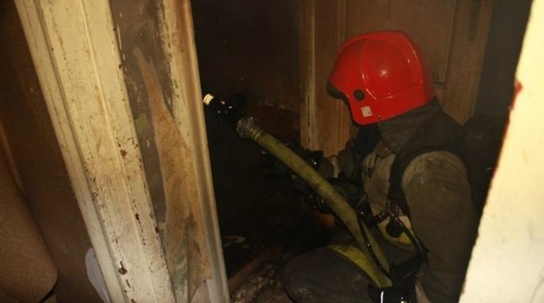Еще один пожар на Софийской: ночью сгорела «трешка»