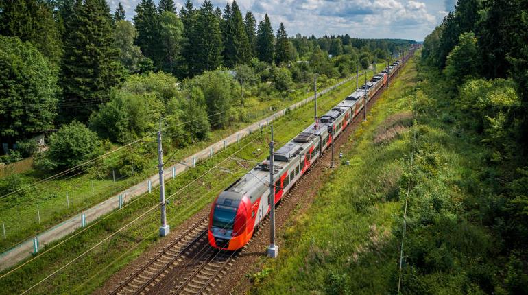 В майские праздники пустят дополнительные поезда из Петербурга в Карелию