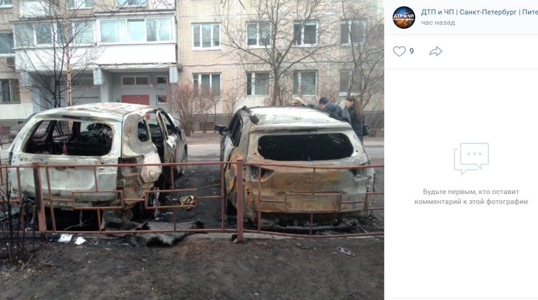 Mitsubishi и Hyundai сгорели на проспекте Энгельса