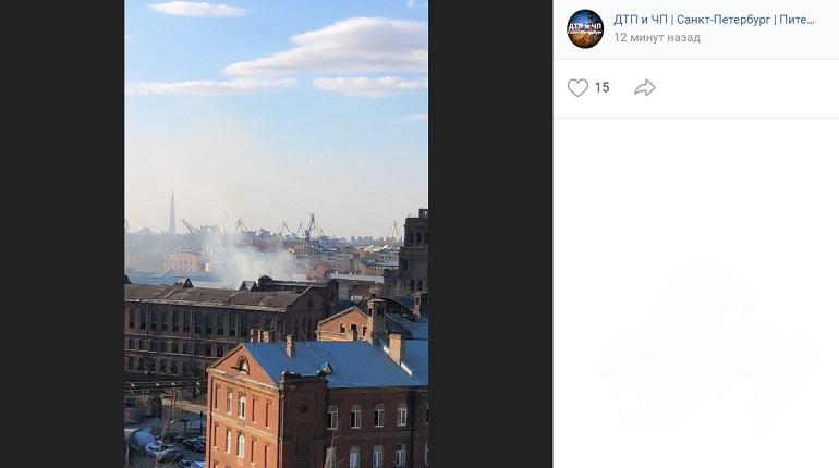 В Петербурге огонь вспыхнул в здании «Красного треугольника»