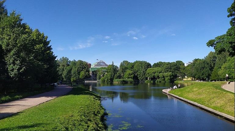 В Петербурге после просушки открылись все парки, сады и скверы