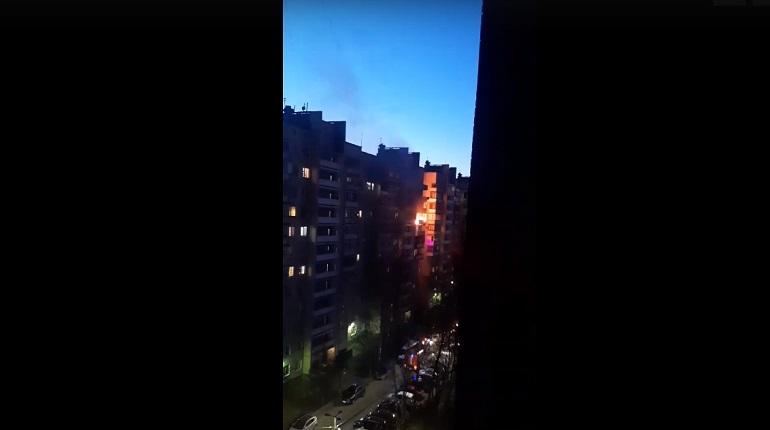 В Красногвардейском районе в жилом здании загорелись две квартиры