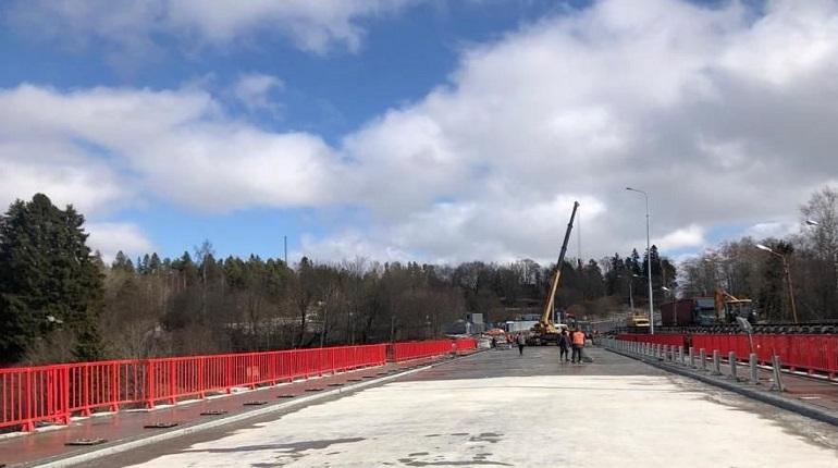 На мосту через Вуоксу установят реверсивное движение из-за ремонта