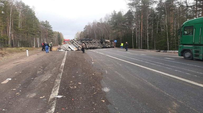 ДТП на трассе «Скандинавия» перекрыло дорогу грузовикам