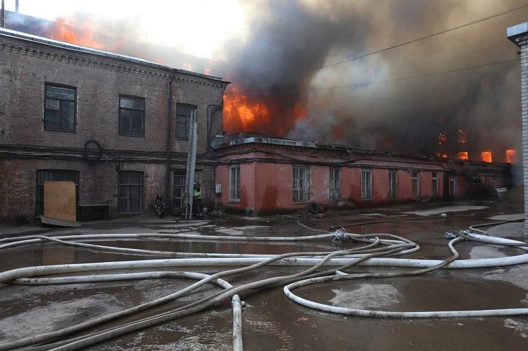Пожар в «Невской мануфактуре» локализован