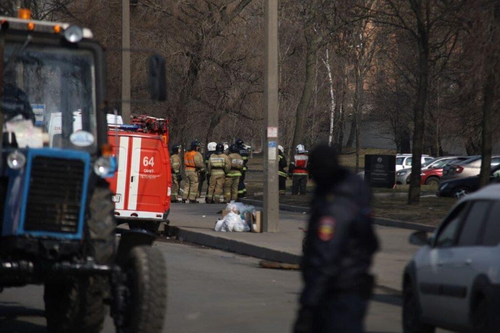 Пожар на «Невской мануфактуре» продолжают тушить