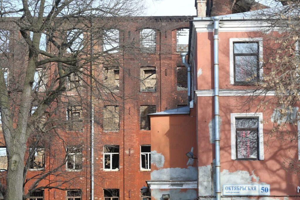 Реставратора сгоревшей Невской мануфактуры выберут в начале августа