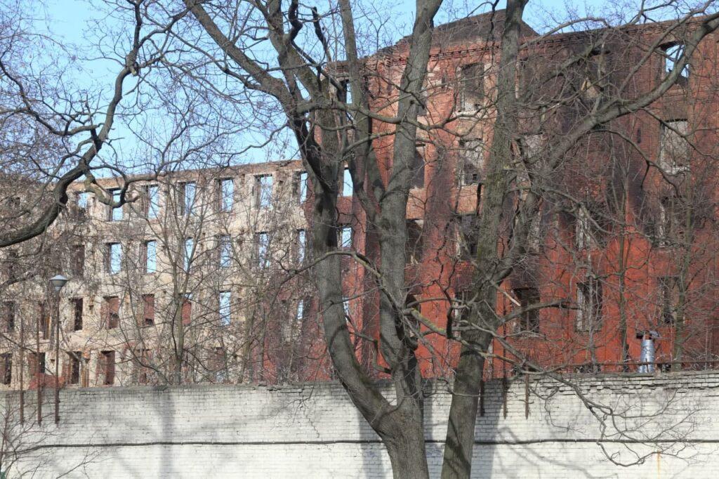 В Петербурге из пятнадцати пожароопасных объектов закрывают лишь одно