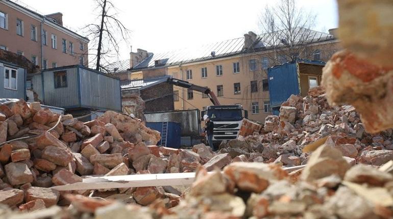 Застройщик опроверг снос исторического здания на Бакунина: фоторепортаж