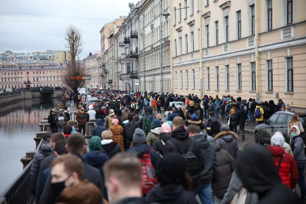 Итоги недели в Петербурге: протестная акция и доходы чиновников с депутатами