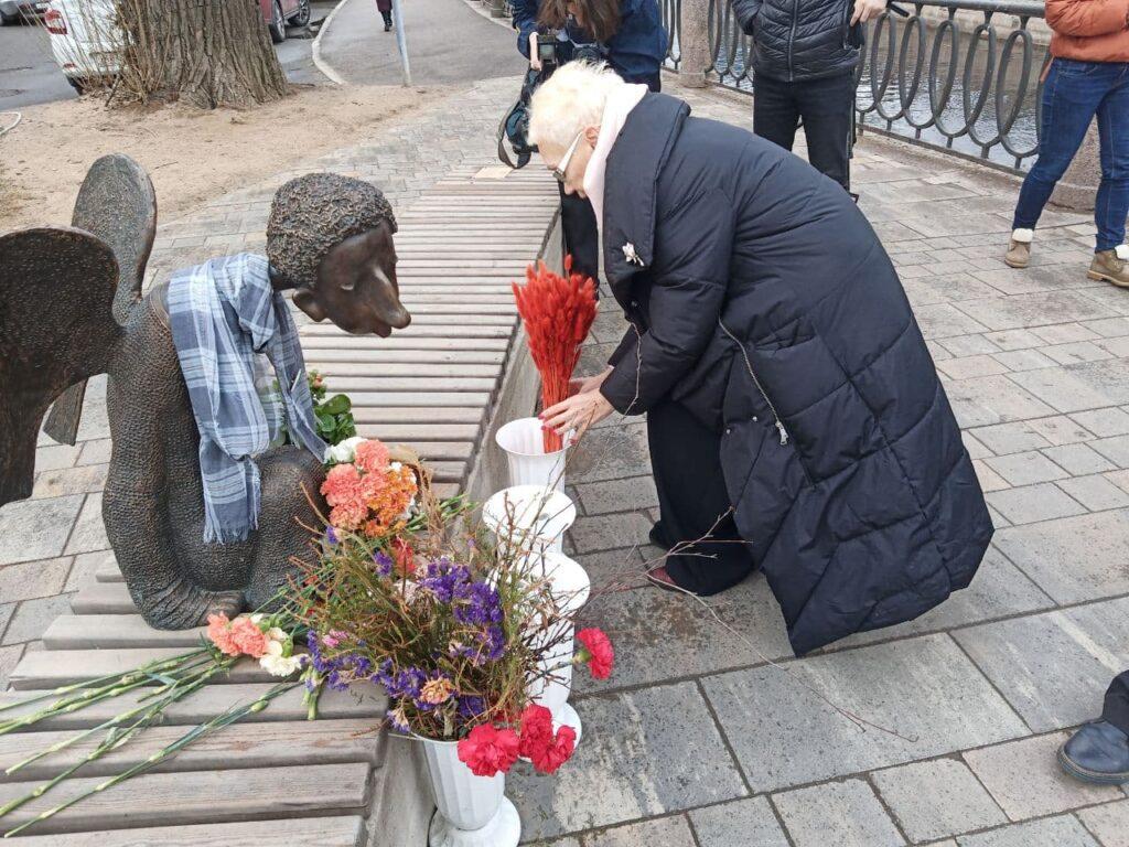 В Петербурге отметили годовщину «Стены памяти» и почтили память умершей вдовы Шустрова