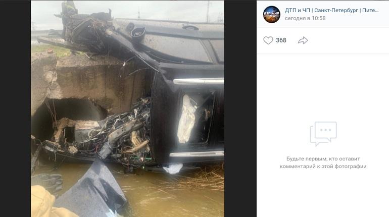 В Ленобласти автомобиль превратился в металлолом после ДТП, водитель погиб