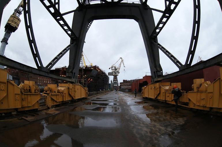 СК расследует смерть рабочего на «Балтийском заводе»
