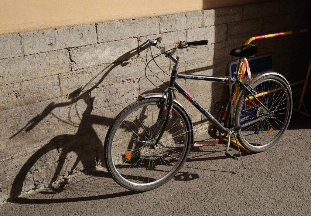 На Наставников 73-летний водитель сбил 7-летнего велосипедиста на глазах его матери