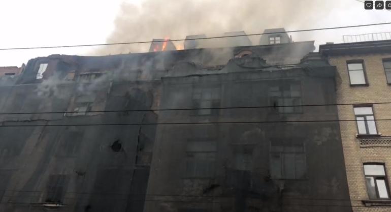 Заседание Смольного, горящий дом Басевича и гроза: итоги 18 мая