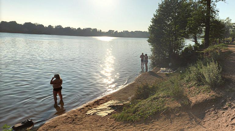 Стали известны самые загрязненные водорослями водоемы Петербурга и Ленобласти: Охта и Оккервиль в их числе