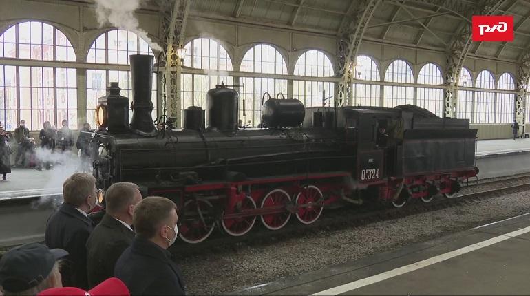 На Витебском вокзале состоялся парад паровозов, посвященный Дню Победы