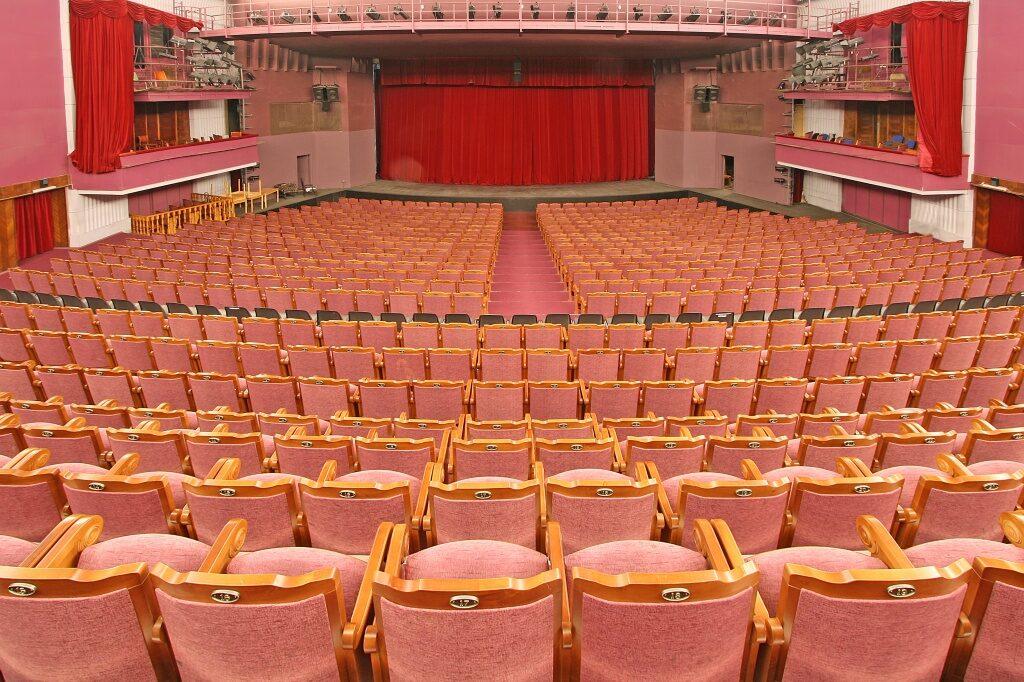 В театре «Балтийский дом» состоялось открытие фестиваля «Встречи России»
