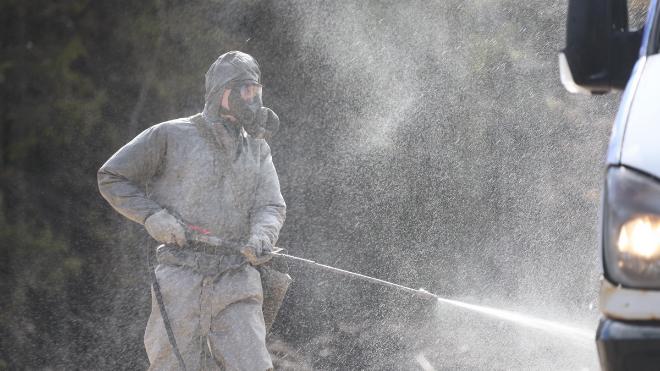 Химики ежедневно дезинфицируют военные комиссариаты Ленобласти
