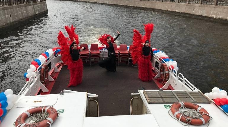 Туристический сезон в Петербурге открывает речной карнавал: фоторепортаж Мойки78