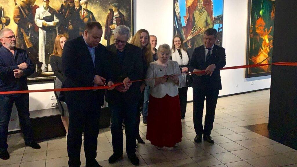 В «Артмузе» открылась выставка современных художников о Великой Отечественной