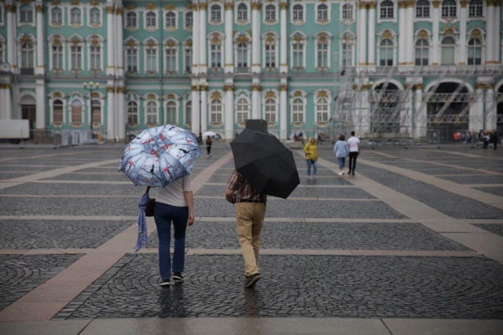 Главный синоптик Петербурга пообещал горожанам дожди
