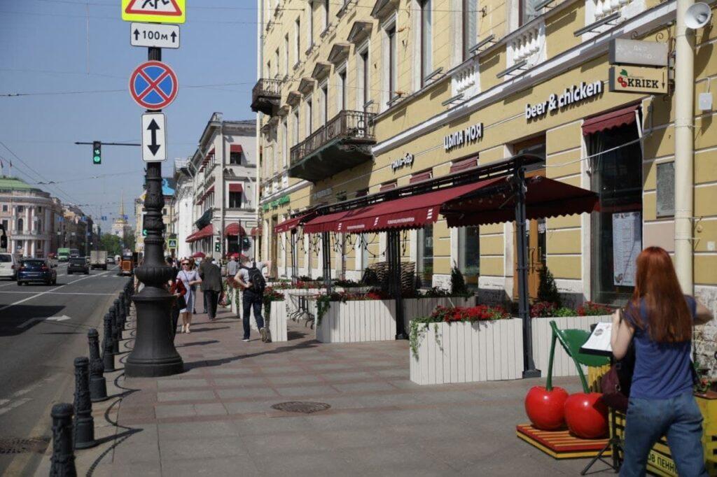 Назван средний чек туриста в Петербурге в 2021 году