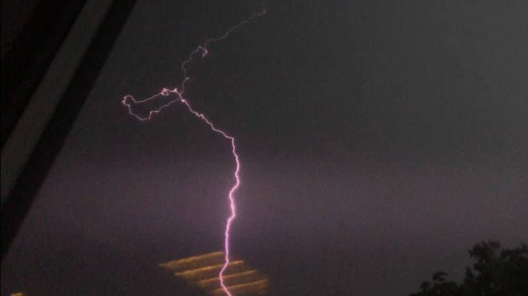МЧС предупредило о грозах с градом в Ленобласти