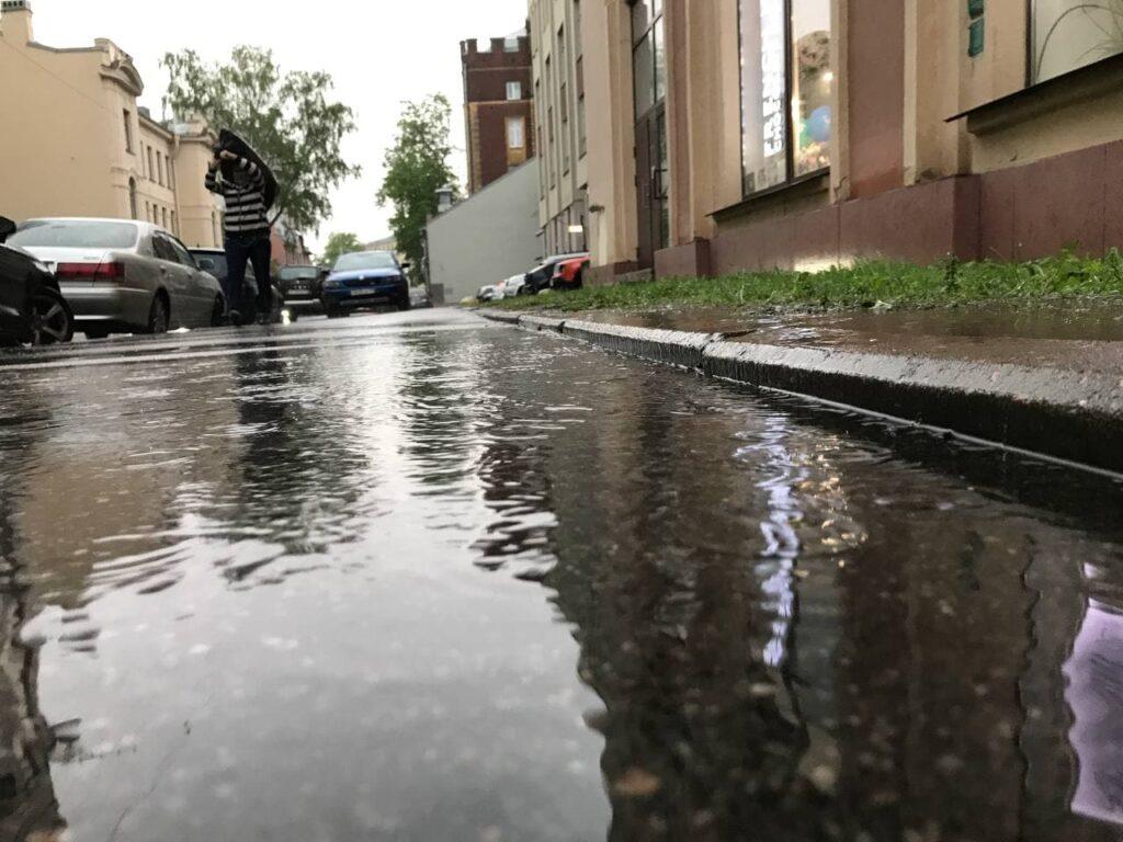 В четверг петербуржцев ждут жара и грозы, а 58 лет назад в городе не выпало ни капли осадков