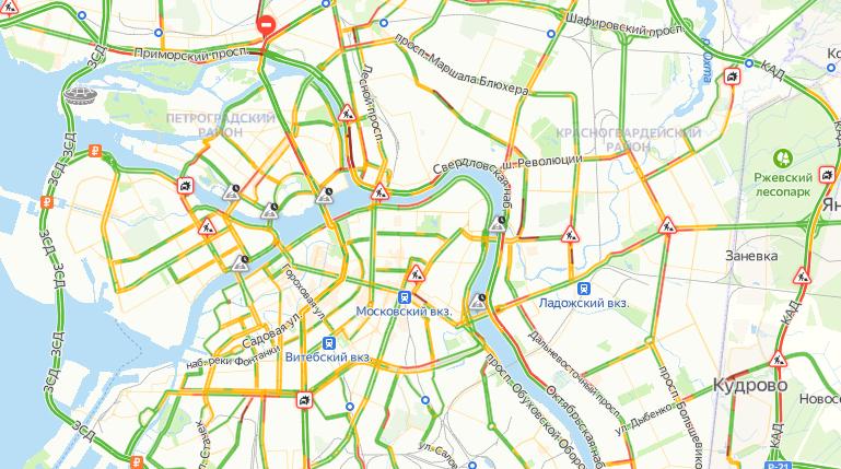 В Петербурге в четверг пробки составили 5 баллов