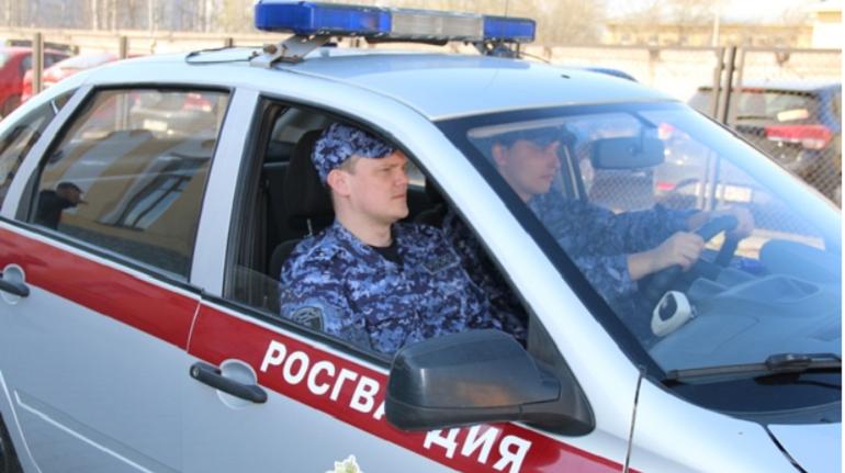 В Московском районе задержали хулигана, избившего девушку в клубе
