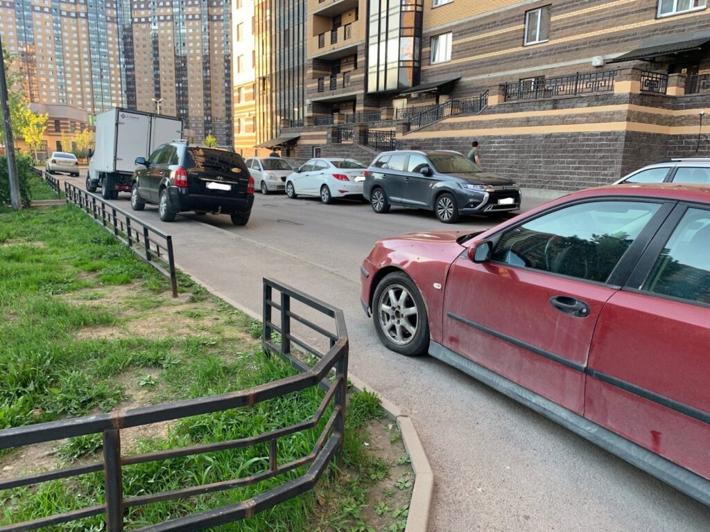 Спустя двое суток сервис ГАТИ по жалобам на неправильную парковку не отреагировал на заявку Мойки78