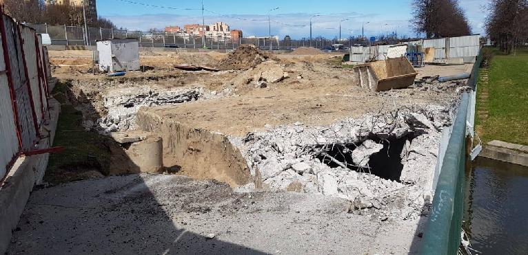 Росприроднадзор по СЗФО проводит проверку по факту сброса бетона в реку Дудергофка