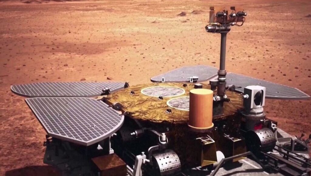 Марсоход Китая «Чжучжун» поделился с землянами первыми фото с Красной планеты