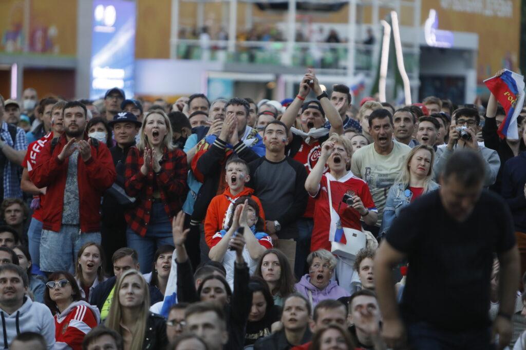 Во время Евро-2020 туристы потратили в Петербурге более 1,5 млрд рублей
