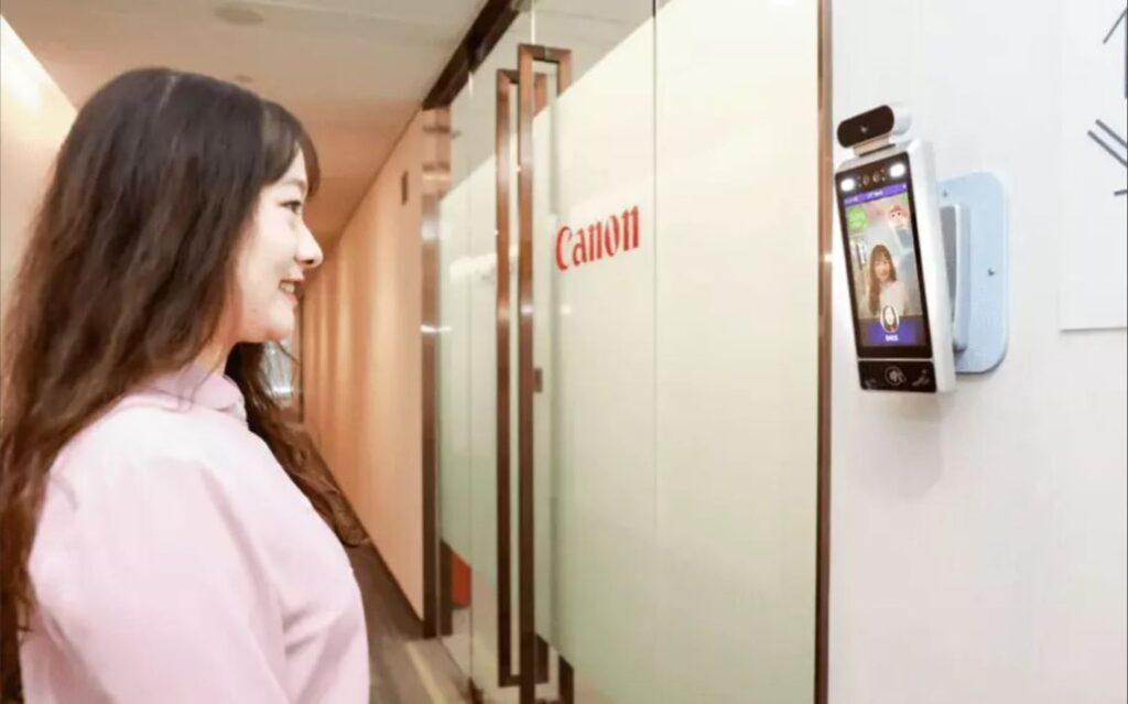 В Китае Canon установила систему, пускающую в офис только улыбающихся сотрудников