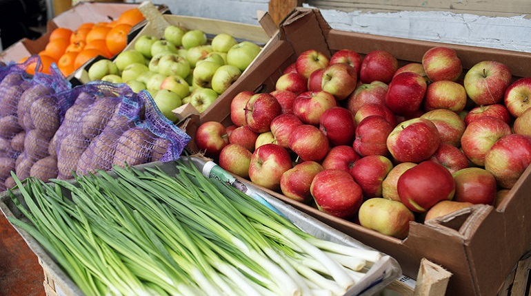 Яблоки и морковь подорожали на прилавках петербургских магазинов в июне