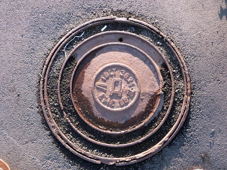 Курортный район стал лидером по кражам канализационных люков
