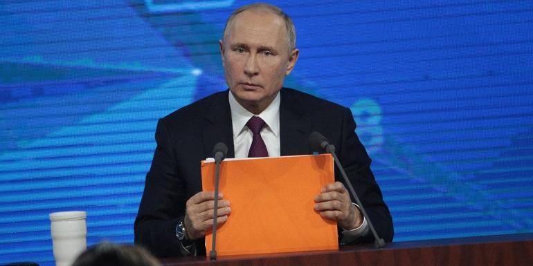 Путин считает необходимым наращивать темпы вакцинации для защиты граждан