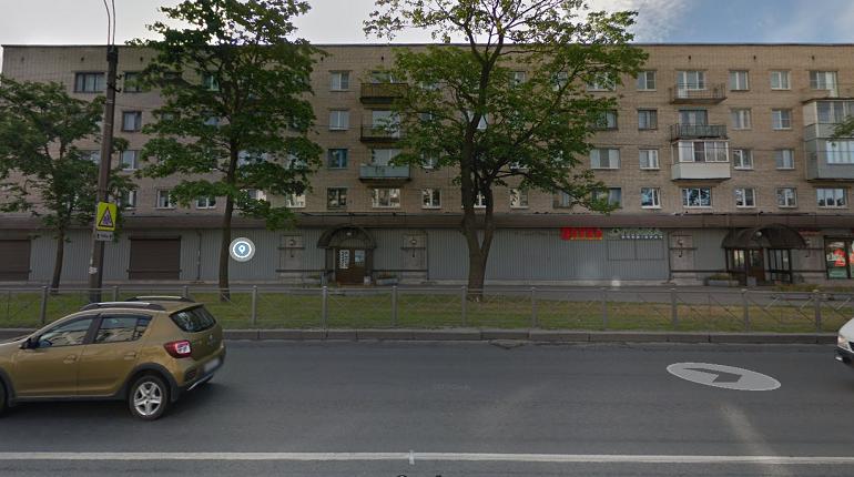 Ночью в Красносельском районе вспыхнул «Форд»
