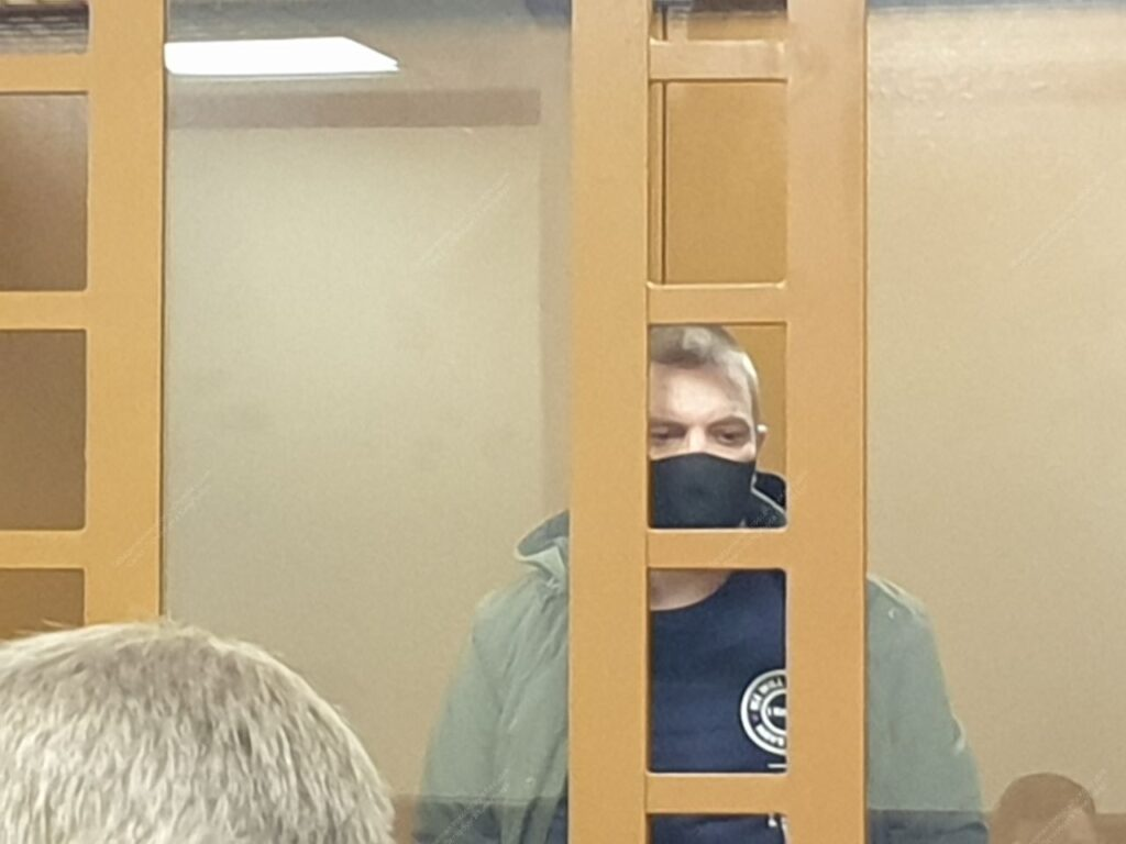 Мужчине, удерживавшему с топором детей в Колпино, вынесут приговор