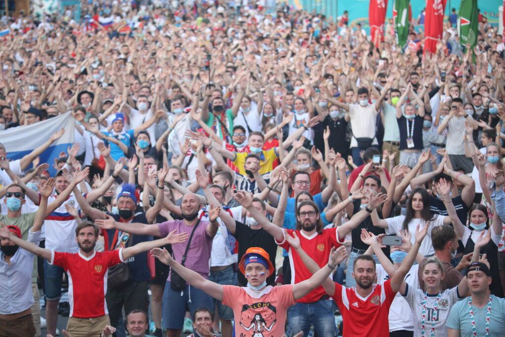В Финляндии могут ввести локдаун из-за поездок фанатов в Петербург на Евро-2020