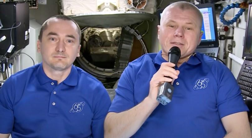 Космонавты с МКС поздравили граждан с Днём России