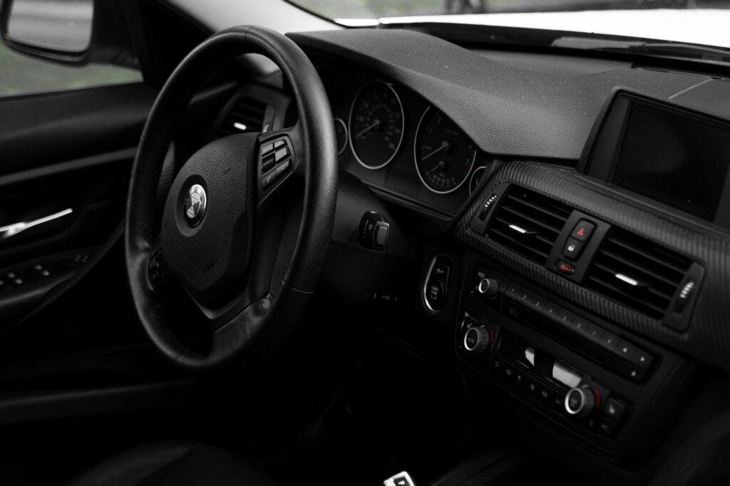 Петербургская банда стрясла со страховщиков 27 млн за 14 «угнанных» авто