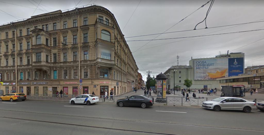 Водителя «Яндекс. Такси» забили до полусмерти возле хостела на Среднем проспекте В. О.