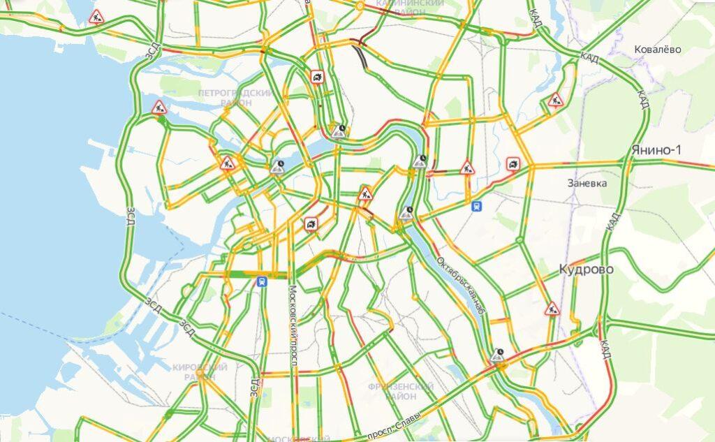Утром вторника петербургские дороги почти свободны: в городе пробки 3 балла