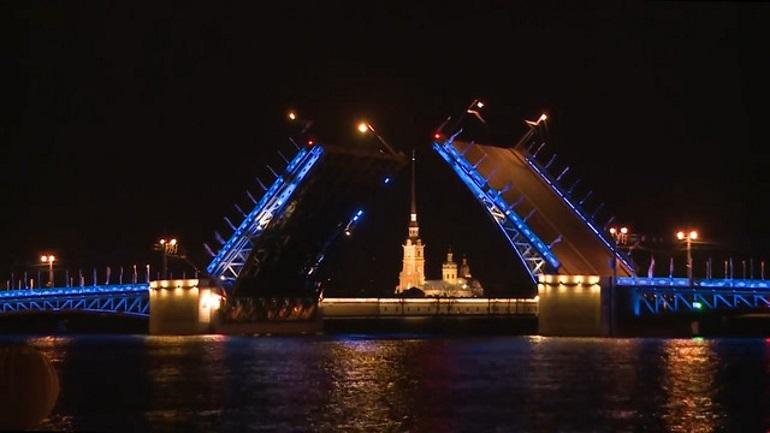 Дворцовый мост украсят подсветкой в дни Евро-2020